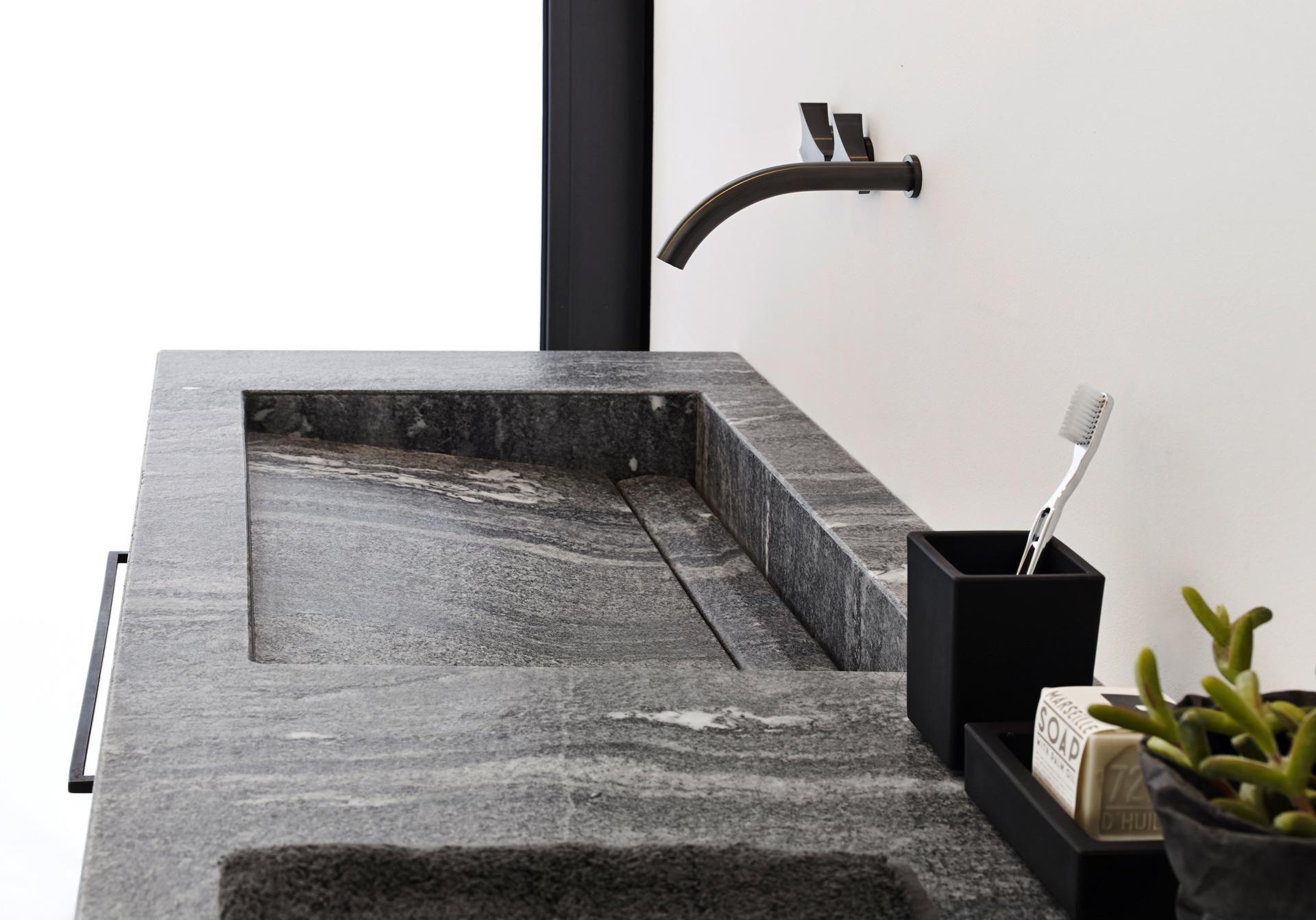 Valser Quarzit Badezimmer   Badezimmer Valser Stein Naturstein Fliesen Wohnzimmer