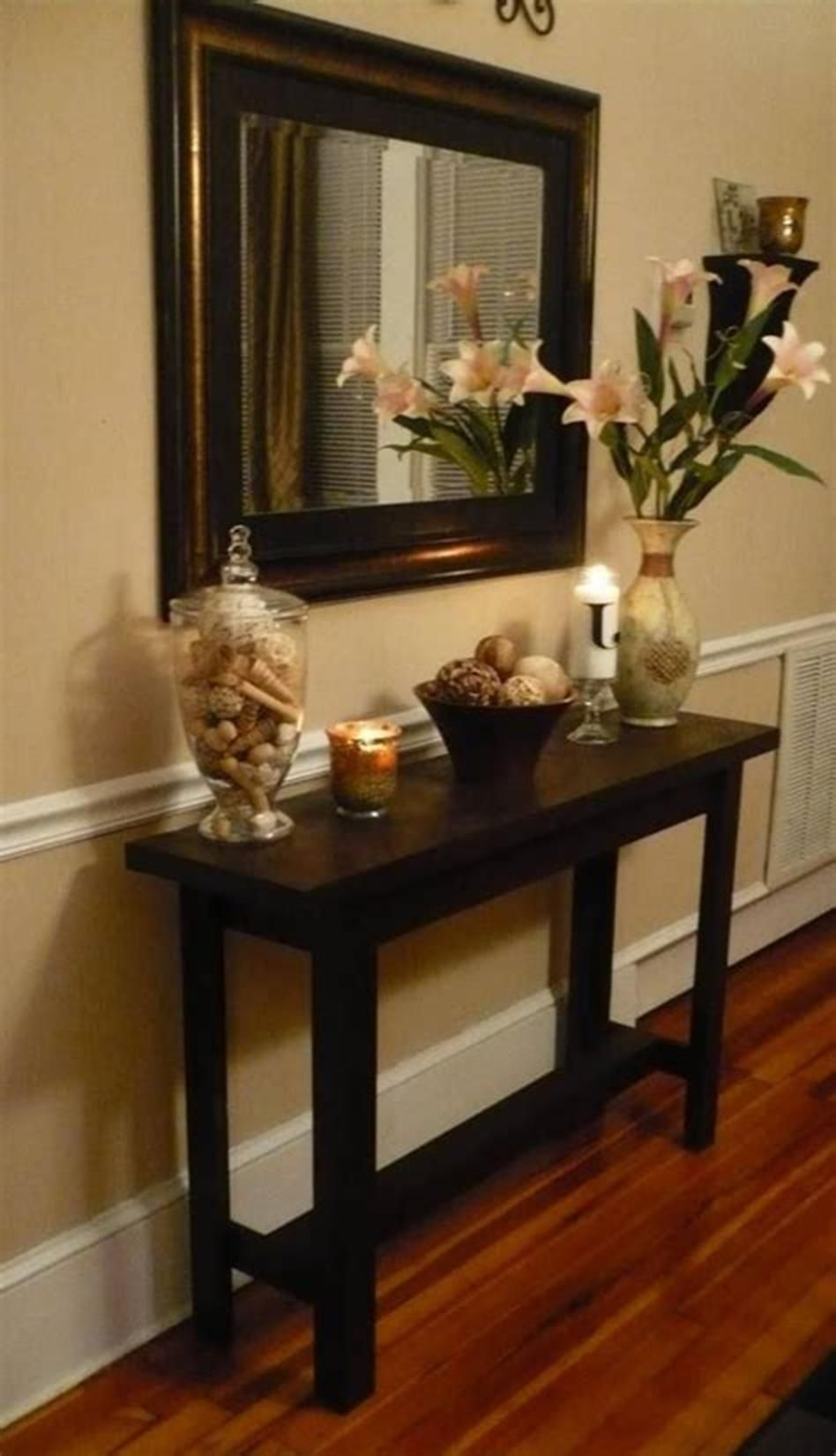 41 Fabulous Hallway Table Decorating Ideas (With images