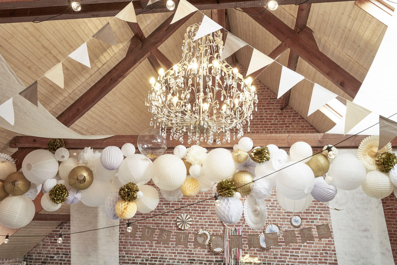 Decoration Plafond Salle Mariage Champetre Grappe De Lampion Boule Papier Japonaise Blanc Or Ivoire Guirlande