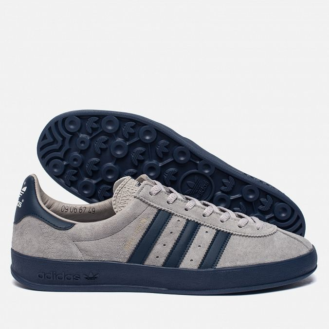 adidas Originals Mallison Spezial. Colour: Light Onix/Night Navy/White.  Article