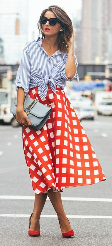 d6f729eb25 [Try pairing a statement skirt with a striped shirt for an all round  striking look. Via Lovely-pepa]