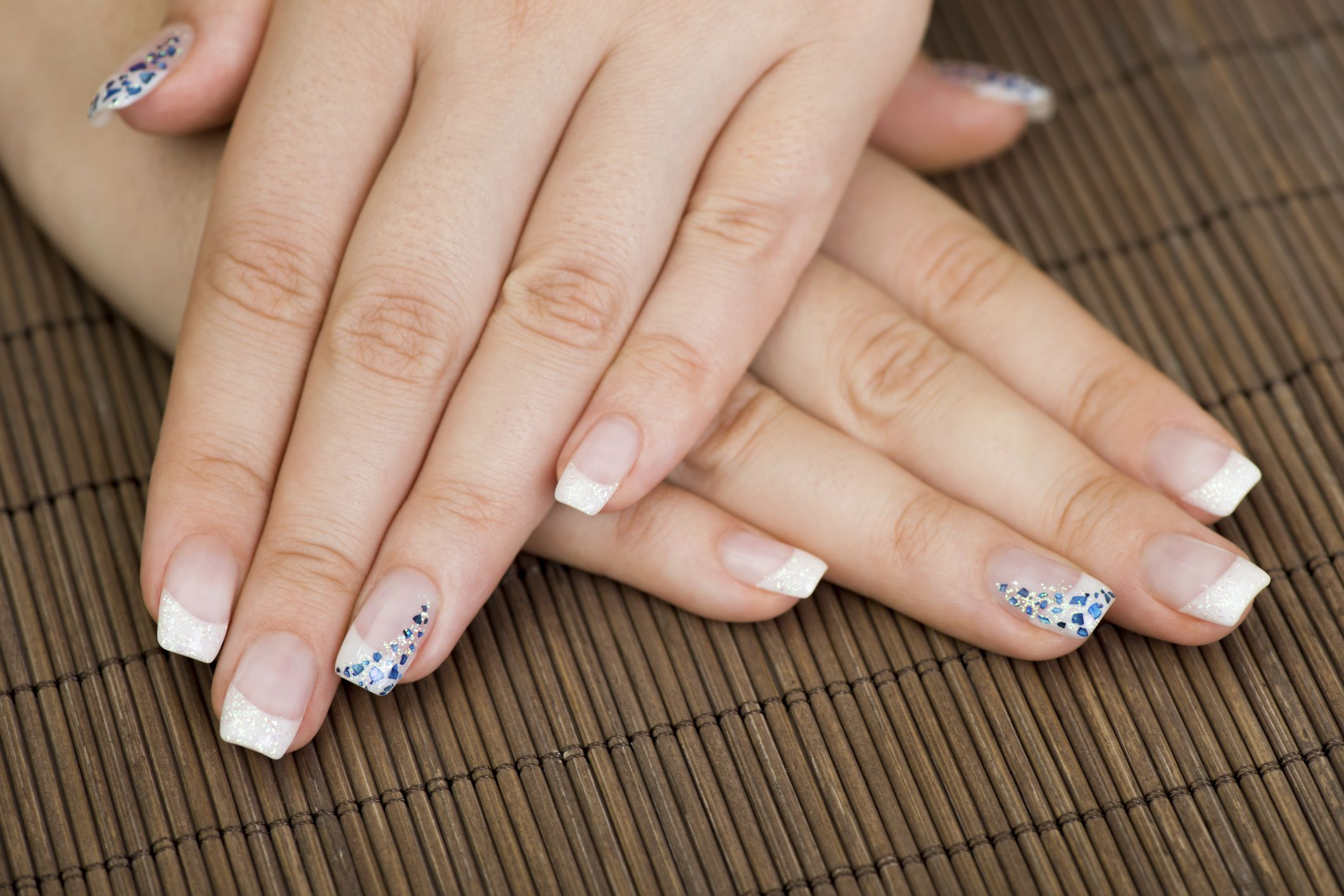 Unghii Albe French Nails Beauty