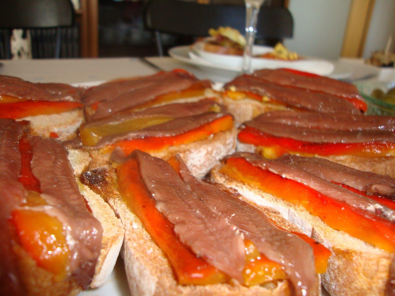 Pintxo de pimiento de piquillo y anchoas de Santoña. Sara Larruscain (Vizcaya)