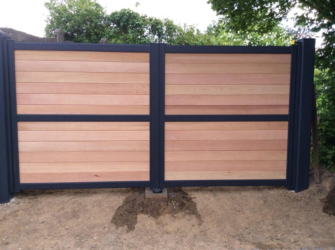 Portail cadre aluminium et c dre rouge www toriportails for Porte cloture bois