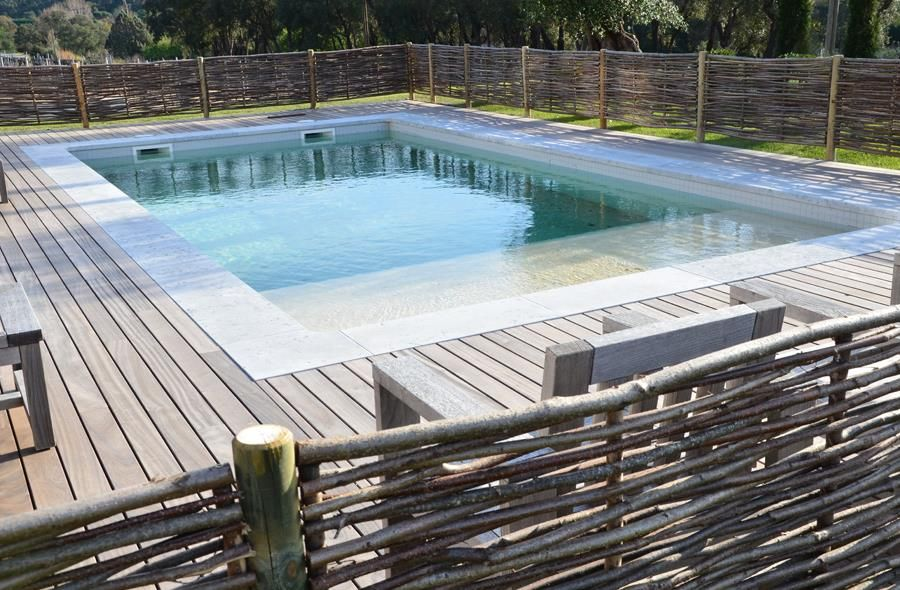 Cloture piscine a partir de with cloture piscine scurit for Cloture de piscine