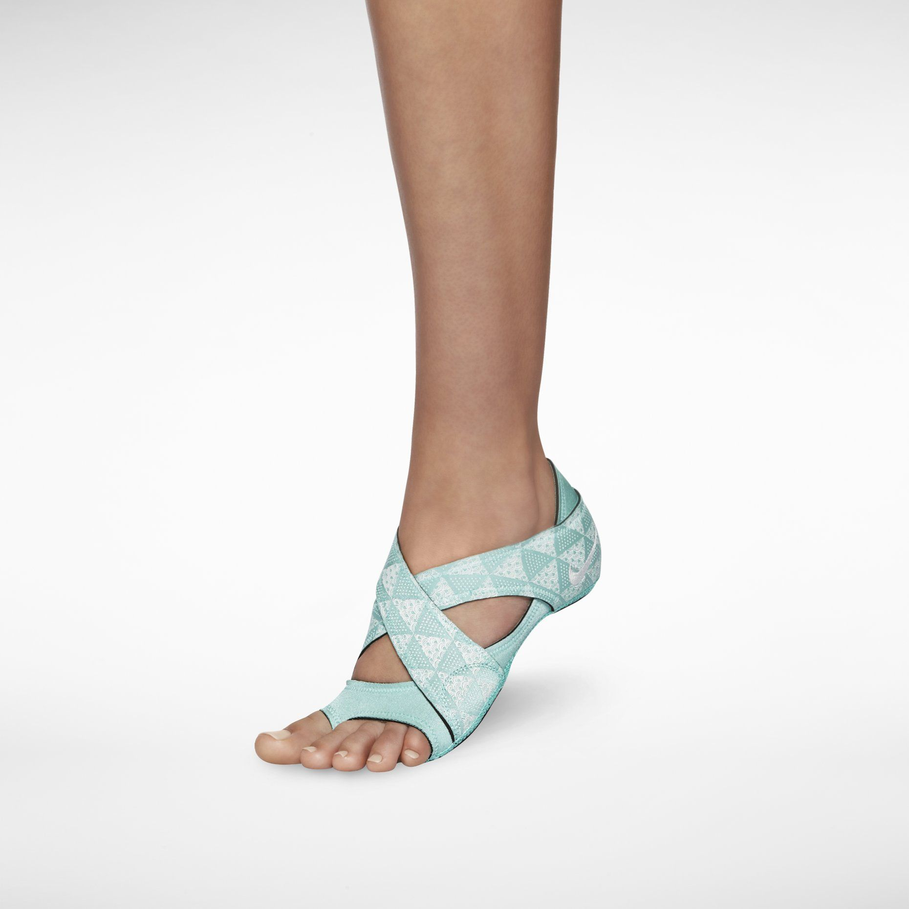 88c7b60e8ba Nike Women s Yoga Socks