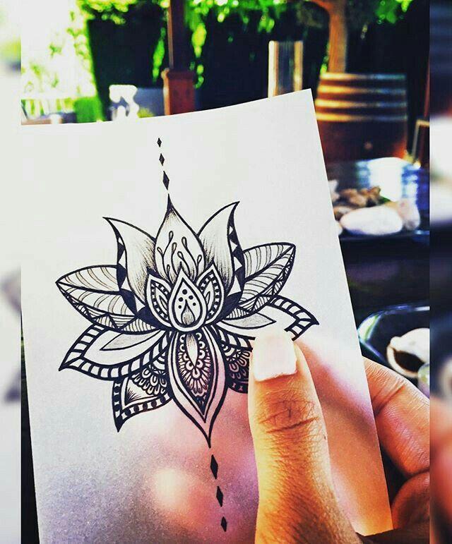 Les 90 + beaux modèles de tatouage mandala femme et leur signification