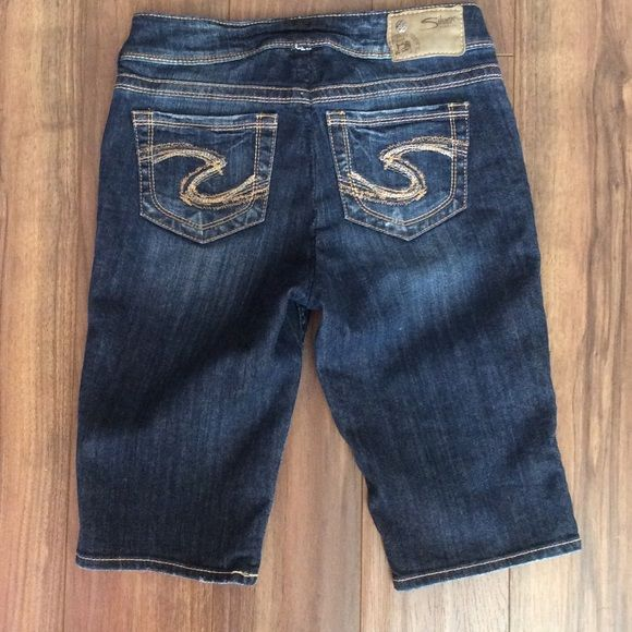 """Silver Shorts Size 26 PRICE DROP Good condition.. Inseam 13"""" Silver Jeans Shorts Jean Shorts"""