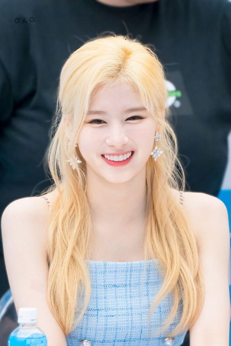 32 Foto Cewek Korea Cantik Cantik Kpop Girls Twice Sana Korean Girl
