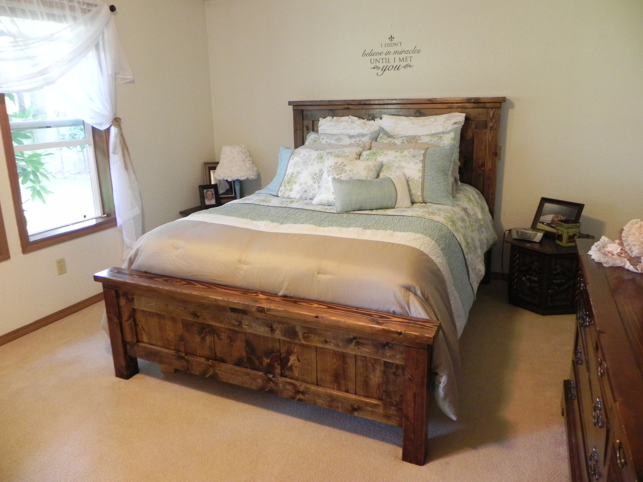 Ana white farmhouse queen bed diy projects queen bed