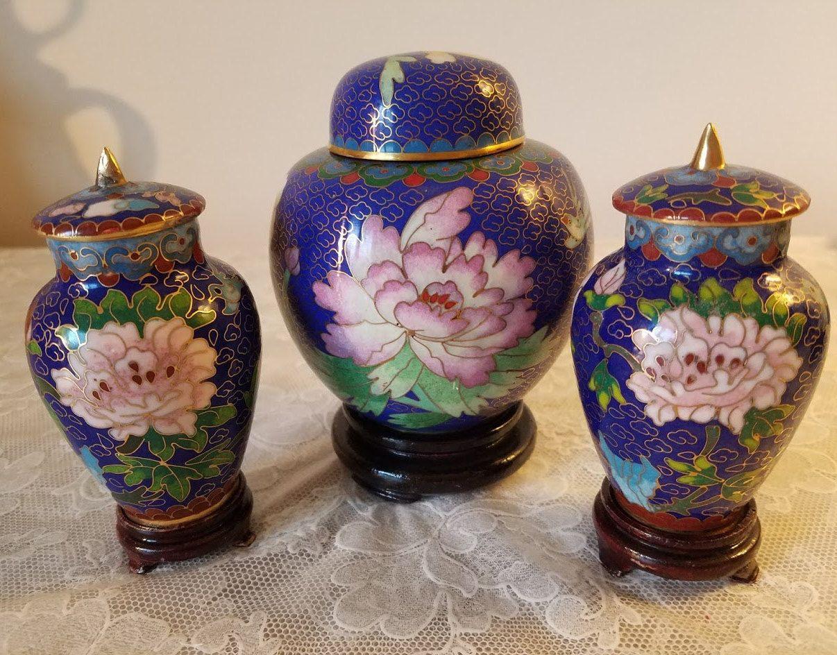 Trio of cloisonne vases wlidsvintage chinese cloisonne blue trio of cloisonne vases wlidsvintage chinese cloisonne blue ginger jar with pink reviewsmspy