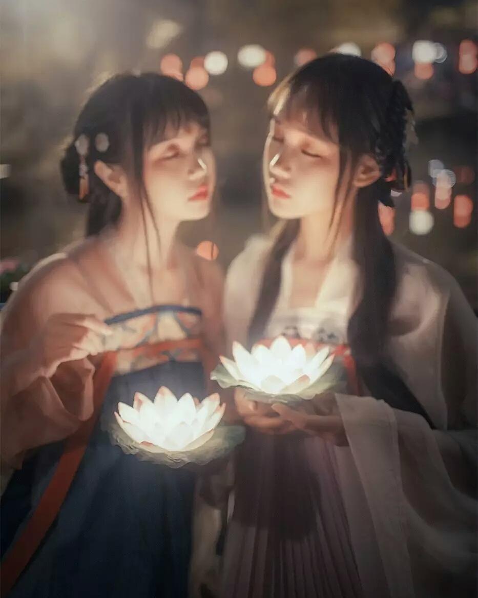 "leena___26: ""#inshot #girls #cute #asiangirls #modelgirls #sun #happy #fun #blackandwhite #hair #beautiful #cool #fashion #snow #smile  #follow4follow #like4like #instamood #family #nofilter #amazing #style #love #photooftheday #chinese #korean #nocrop"""
