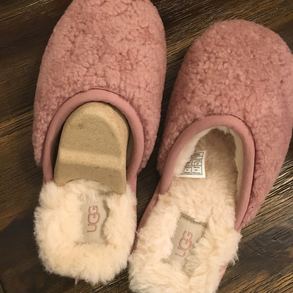 8342fd15a14 UGG Shoes | Nwt Ugg Slippers | Color: Pink | Size: 7 in 2019 ...