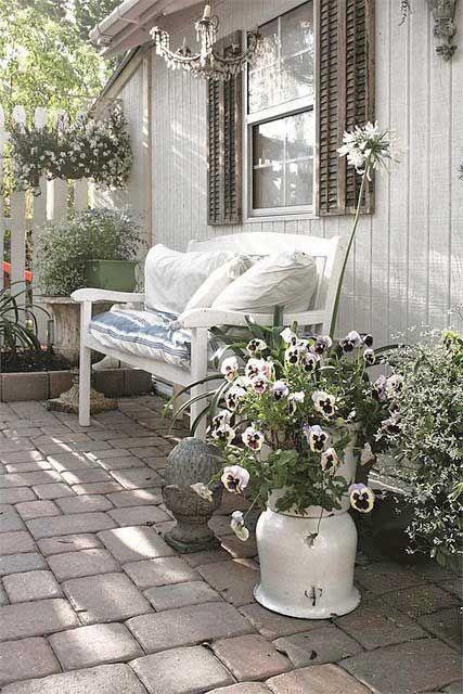 27 Shabby Chic Terrace And Patio Decor Ideas Terrassengarten Terrasse Gestalten Hauptschlafzimmer