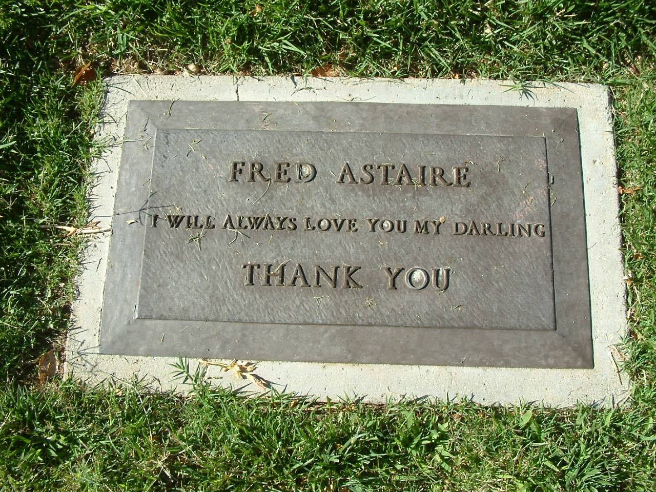 The Final Resting Place Of Fred Astaire At Oakwood Memorial Park In Chatsworth Ca He Is Buried In The Same Cemetery As Ginger Fred Astaire Famous Graves Fred