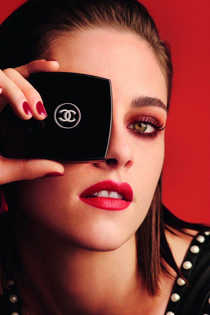 Kristen Stewart pour CHANEL...
