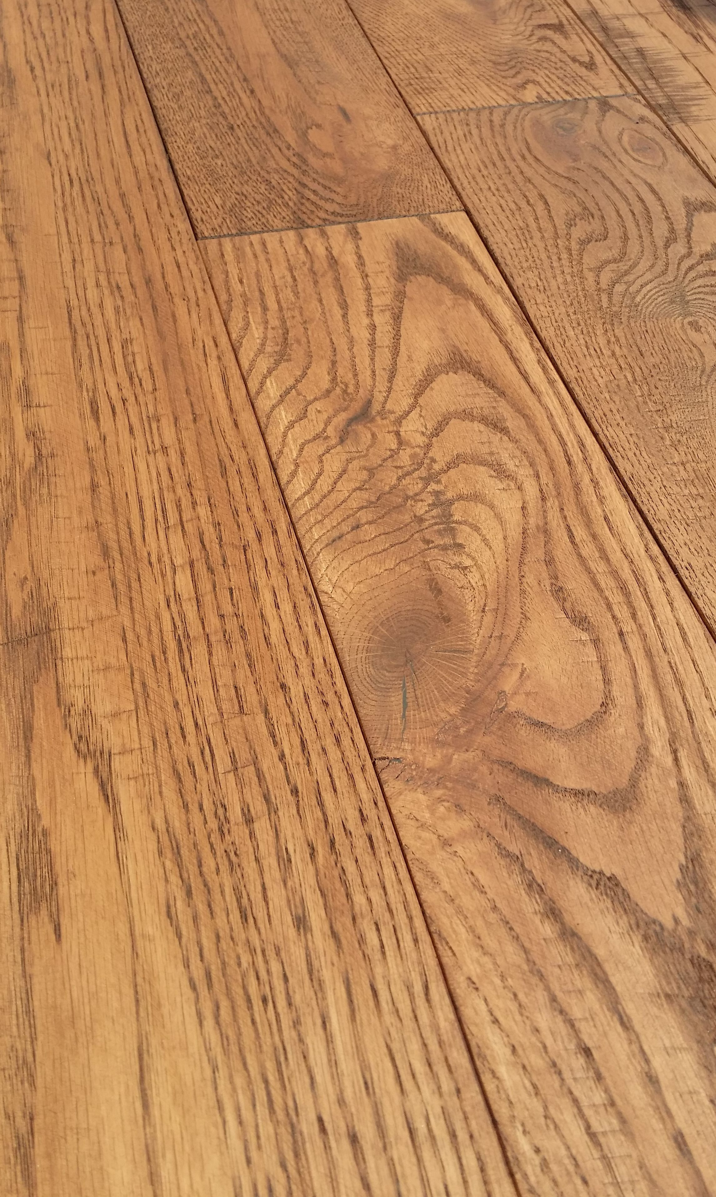 Canadian Made Real Hand Scraped Red Oak Flooring With Light Mahogany Color Natural Oil Finish