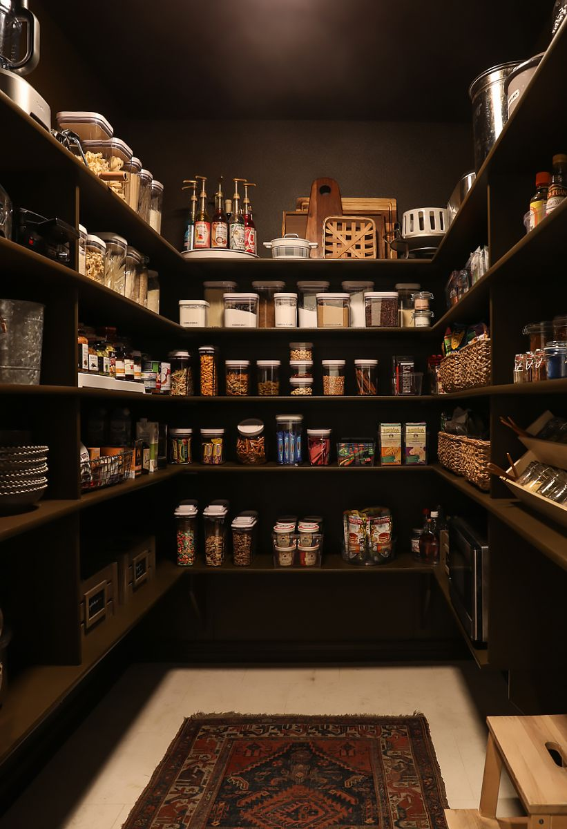 Best Our Rich Brown Pantry Makeover In 2020 With Images 400 x 300
