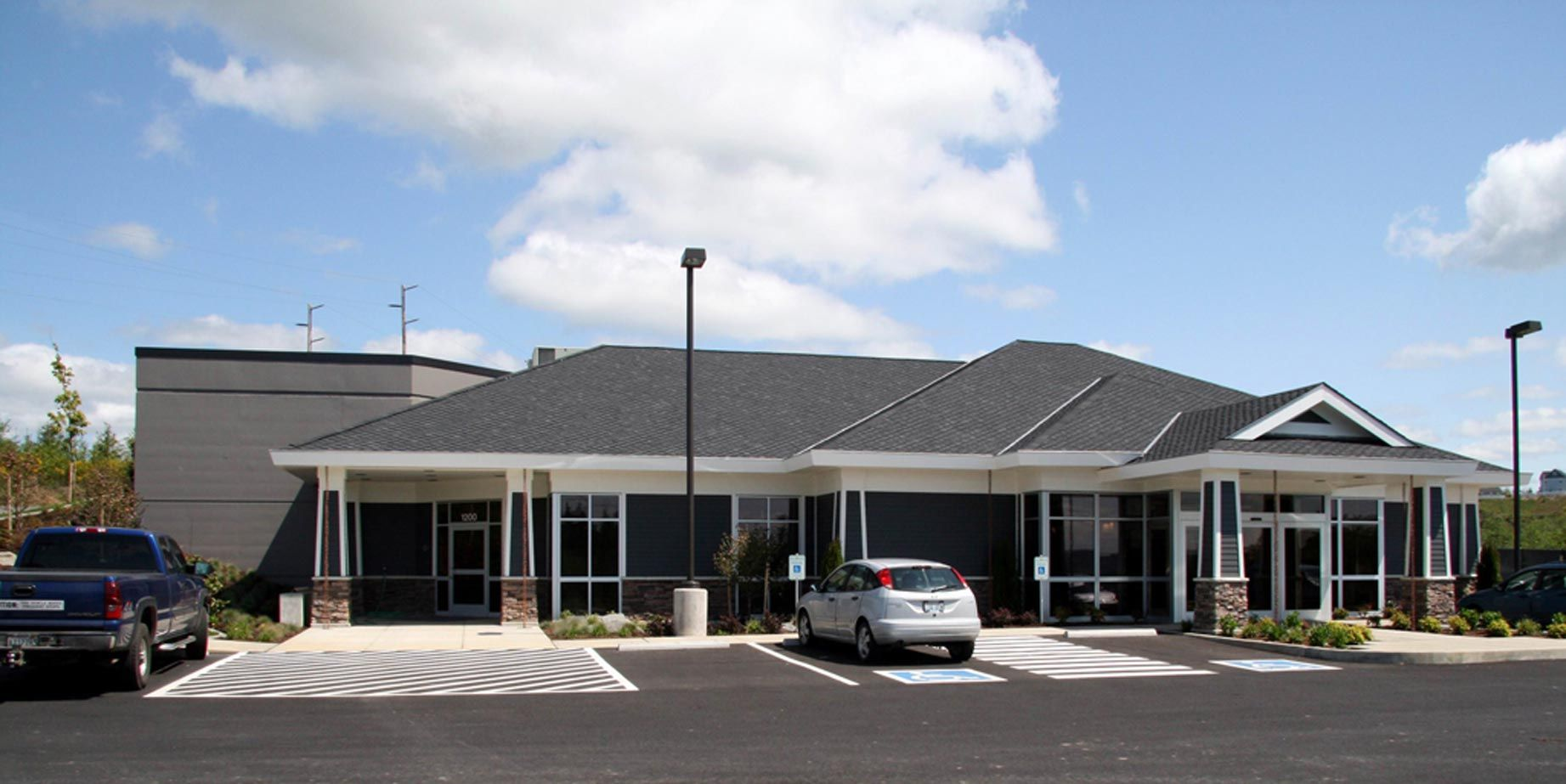 1 story medical office building google search work for Single story commercial building design