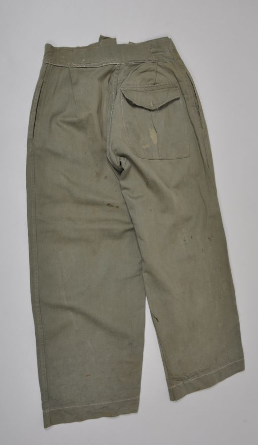 British Indian Army Jungle Green Trousers. | Military Mode Publishing