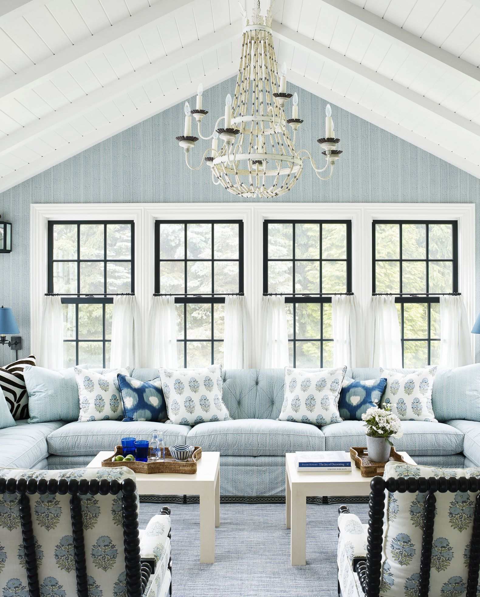 11 Tranquil Paint Colors for Bedrooms   Bedroom Paint ...