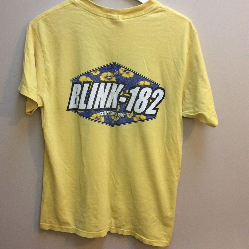 f0681ba9497 Vintage Blink 182 Yellow T Shirt Crappy Since 1992 XL 1996 Tour Medium  PREOWNED