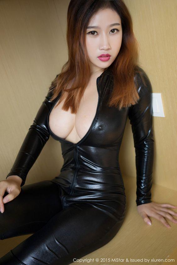 Hot sexy naked japanese girls