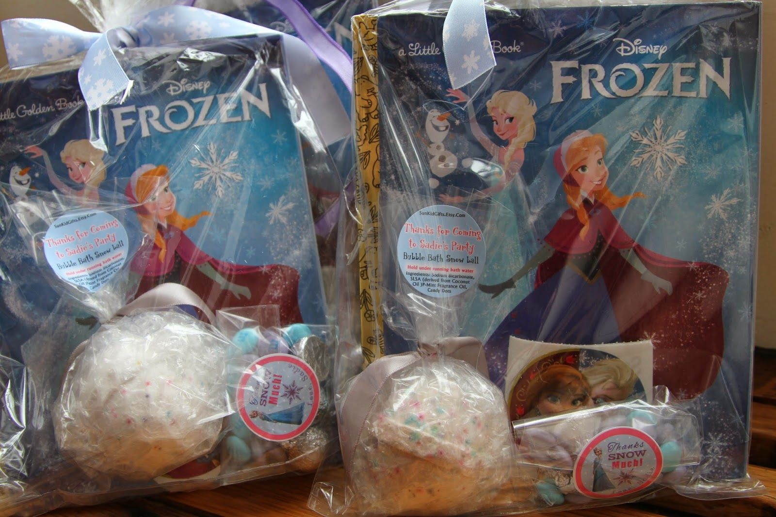 Fun #Frozen party favors (How to Throw a Cool Frozen Party) thesparklylife.com