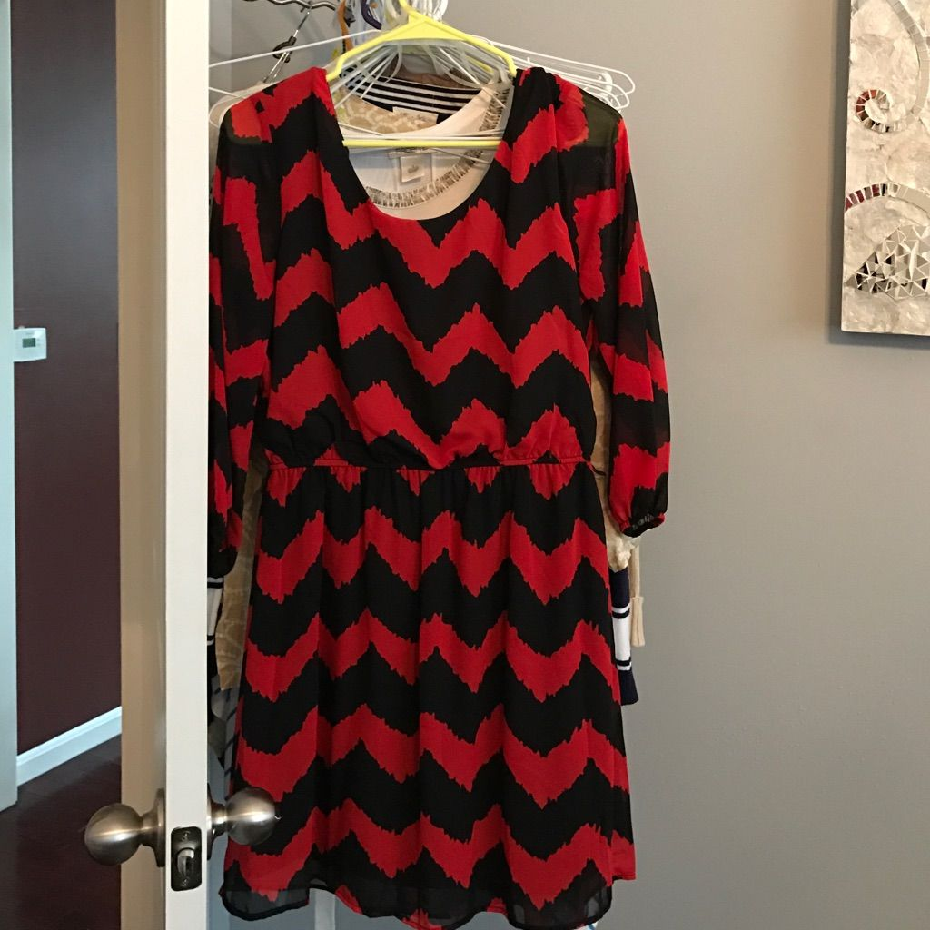 Size L Red And Black Chevron Dress