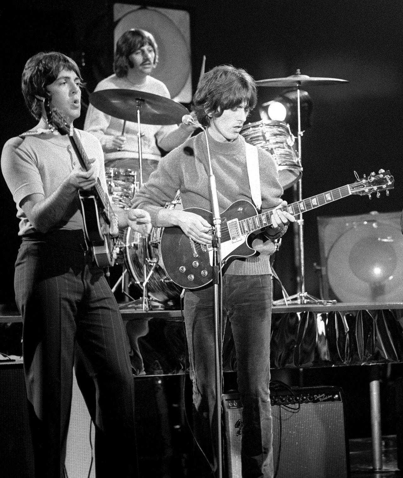 ãringo starr playing drums 1968ãã®ç»åæ¤ç´¢çµæ
