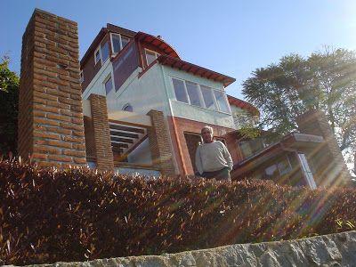 """CASA MUSEO DE PABLO NERUDA: también llamada """"La Sebastiana"""" por el mismo poeta. Está ubicada en calle Ferrari #692 en el cerro Florida."""