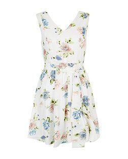 d1d765ee3b Mela White Floral Print Dress