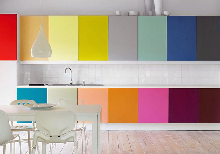 Don\'t you love unexpected pops of color? These painted cabinets make ...
