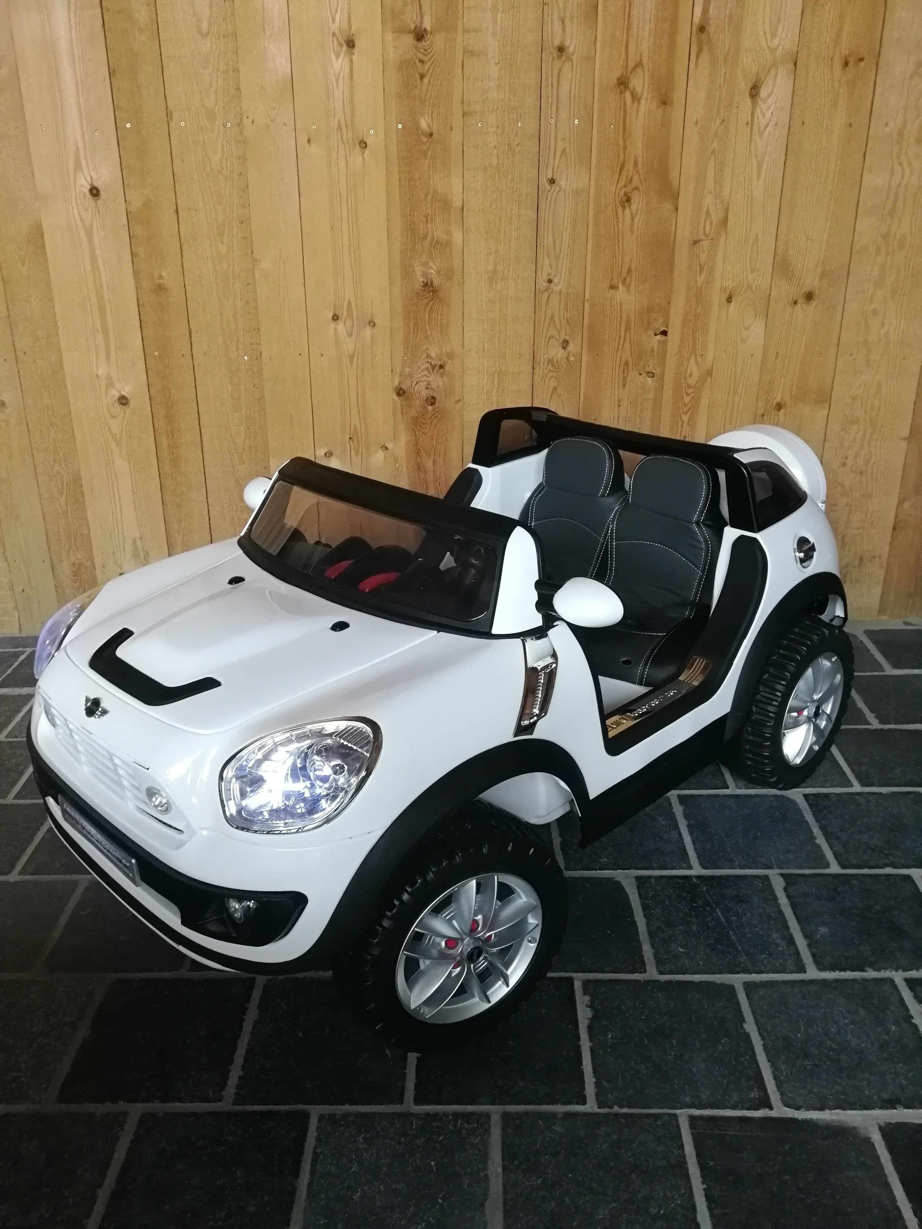 Mini Beach Comber Xxl Wit 12v 2 Persoons Kind Accu Auto