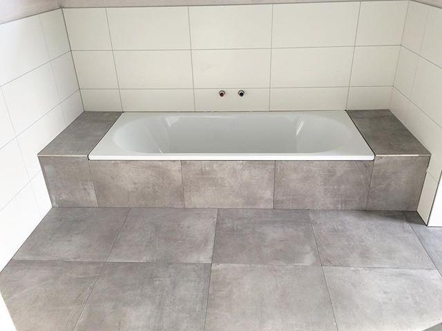 Mariechen On Instagram Das Badezimmer Ist Fertig Gefliest Ich Freue Mich So Sehr Bad Badezimmer Flie Badewanne Fliesen Badezimmer Badezimmer Einrichtung