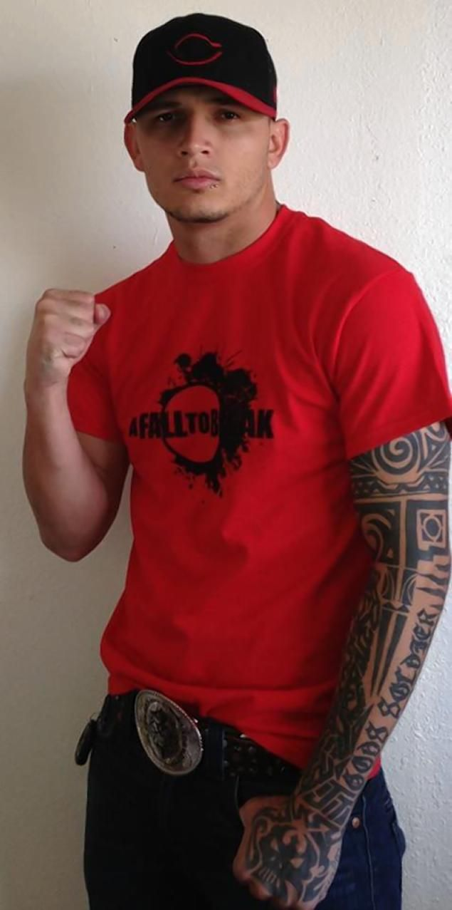 d7b0da7f7 MMA fighter fends off four attackers, killing one during home ...