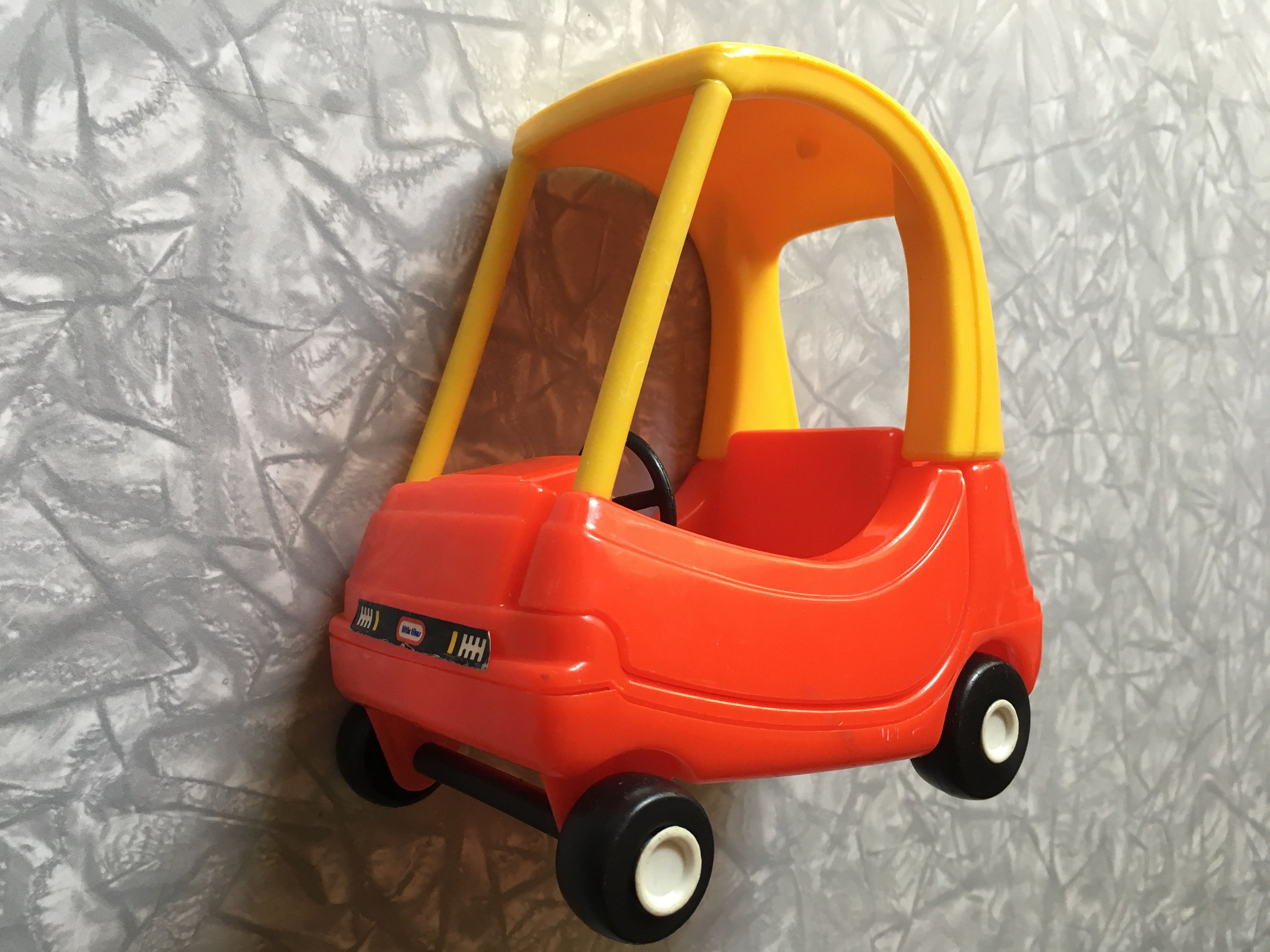 1990 Fisher Price Little Tikes Dollhouse 5585 Cozy Coupe