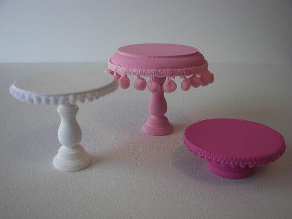 mini cupcake pedestals!  How fun