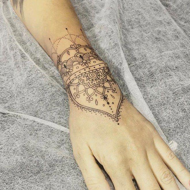 Wrist Cuff Lace Mandala Mehndi: Tatuagem, Tatuagem No Pulso