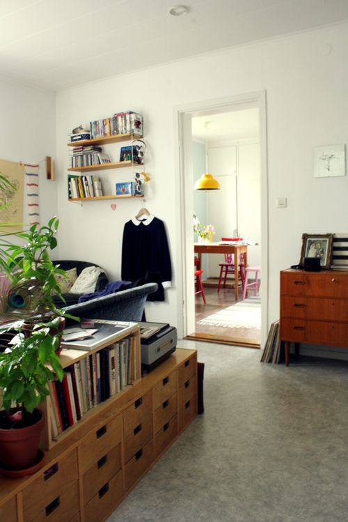love drawers, love behind the couch tables, love furniture as room divider...