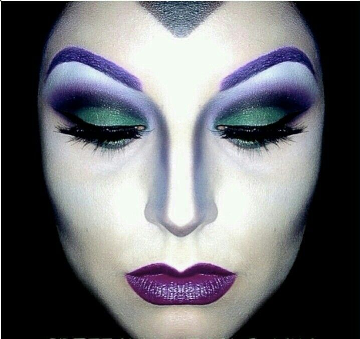 Makeup And Skin With Evil Queen Makeup With Evil Queen Make Up Makeup Inspiration Stunning Makeup Halloween Makeup Witch Evil Queen Makeup Maleficent Makeup