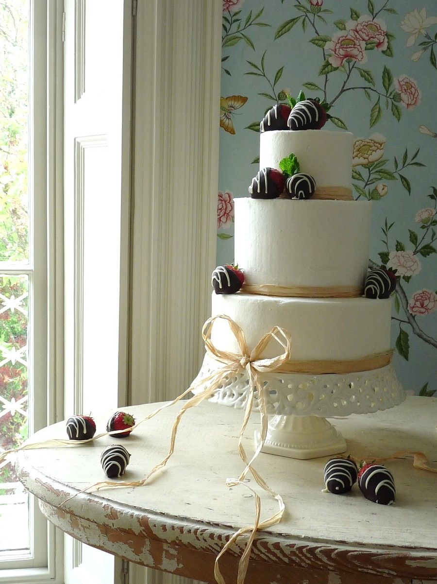 Beautiful Cake From Planet Photo The Natural Wedding Book