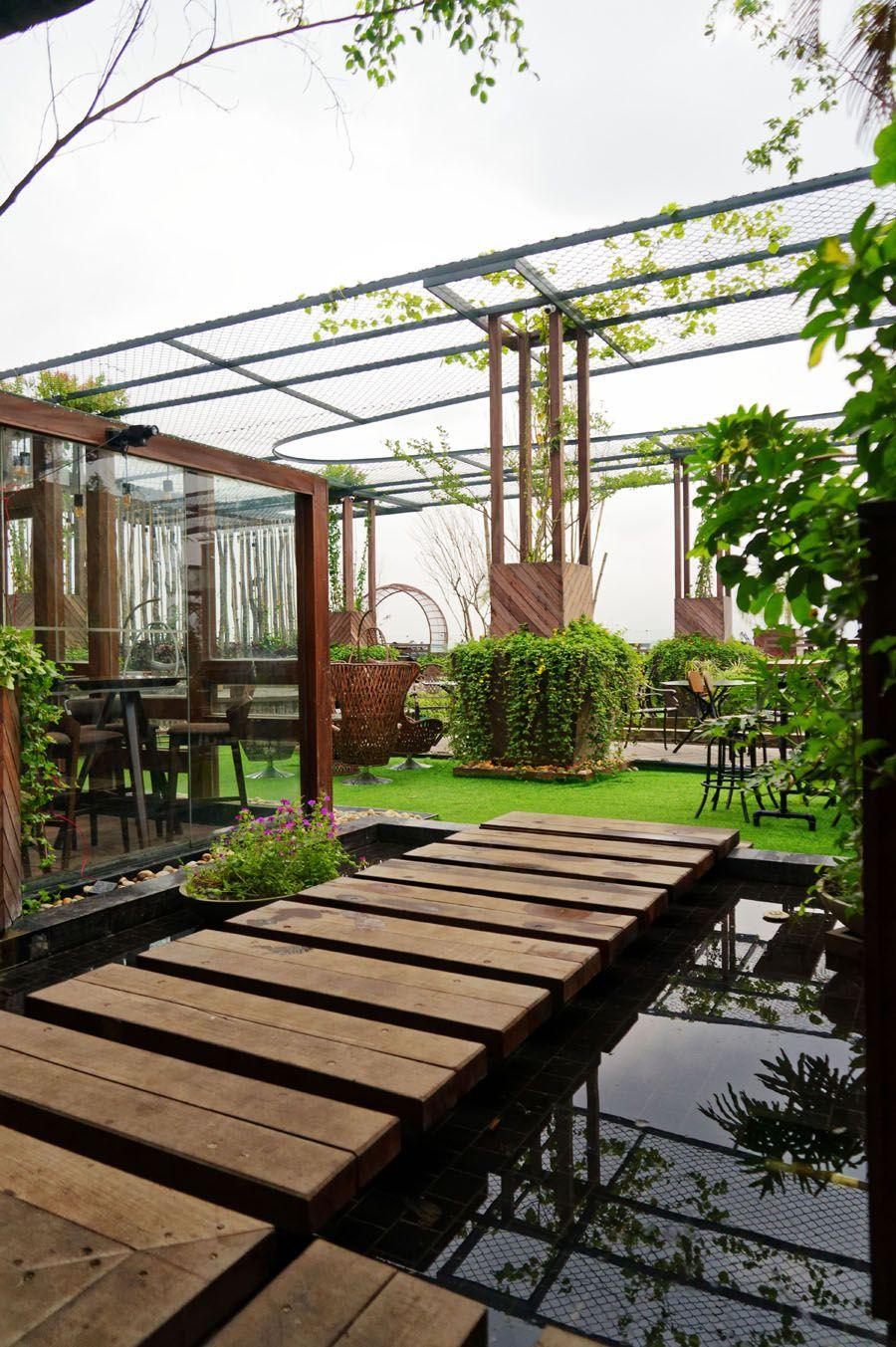 Green Lounge An Enchanted Sky Garden Green lounge, Sky