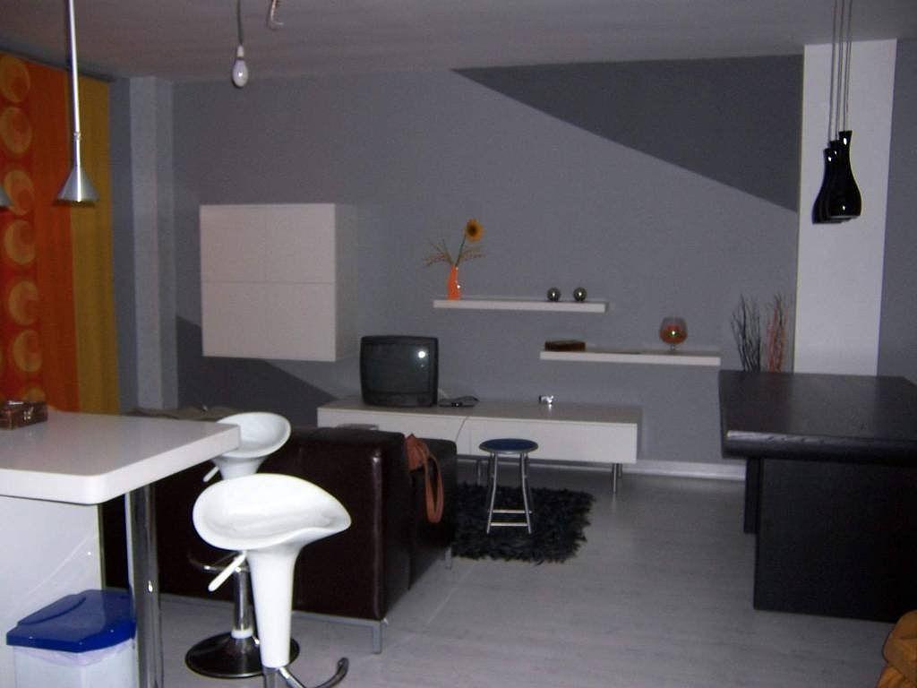 Pared gris suave y muebles blancos decorar tu casa es - Decorar muebles blancos ...