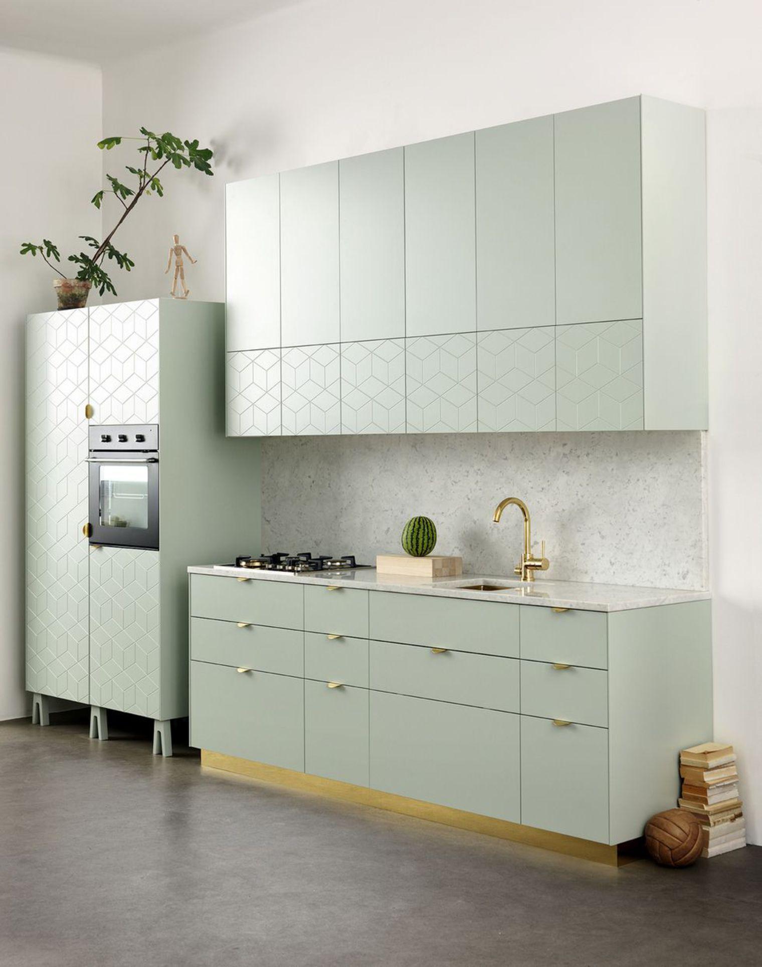 Aménager petite cuisine : 12 idées relooking   Kitchen stories ...