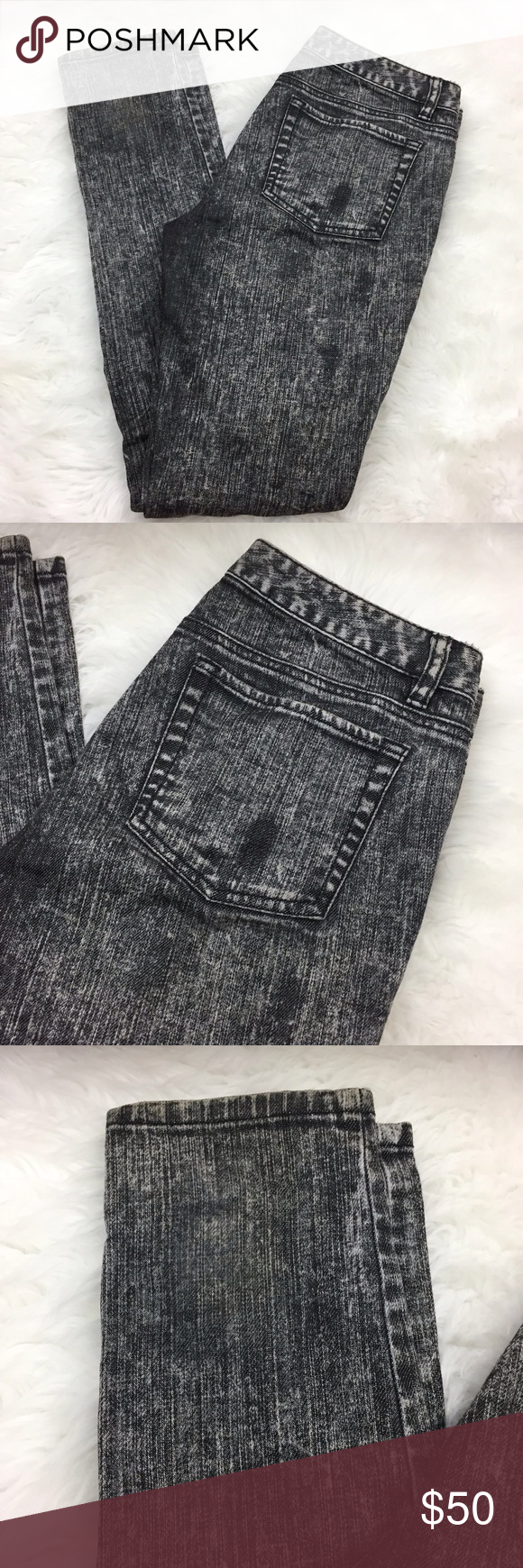 🍎Michael Kors Black Gray Acid Wash Skinny Jeans Michael Kors Womens Size 2 Black Gray Acid Wash Skinny Denim Jeans  Waist measurement across: 15.5 inches  Length: 39 inches  Inseam: 30.5 inches  This has been gently worn with no major flaws.  Please refer to photos for more details. Michael Kors Jeans Skinny
