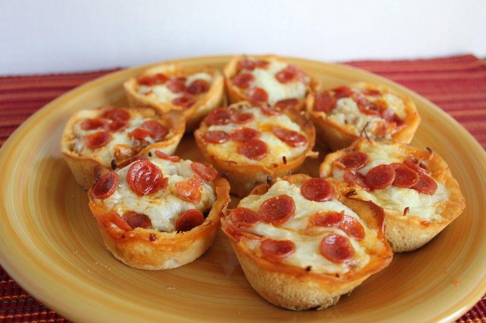لعشاق البيتزا نقدم لكم طريقة جديدة لتناولها كب كيك البيتزا Pizza Cupcakes Delicious Pizza Food