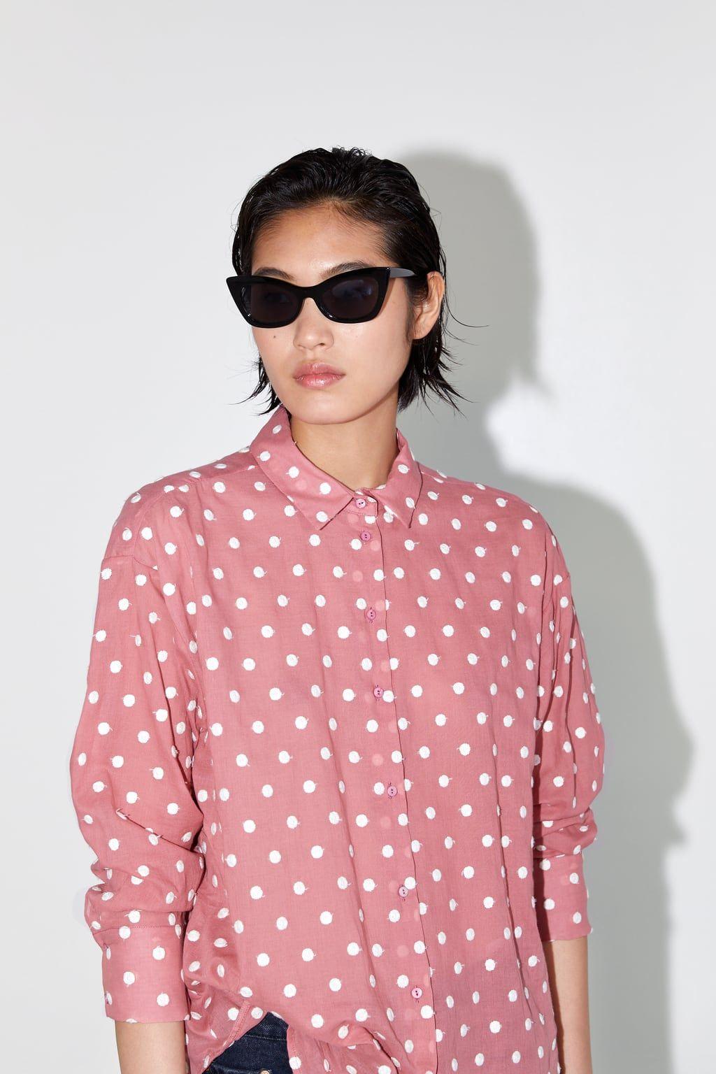 Camisa Lunares Bordados Ver Todo Camisas Tops Mujer Zara España Blusa De Lunares Camisa De Lunares Lunares