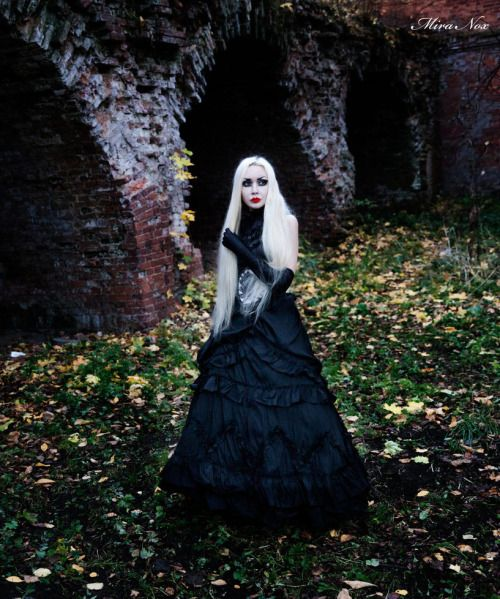 Model: Mira Nox http://miranox.deviantart.com/gallery/Welcome to Gothic and Amazing|www.gothicandamazing.org