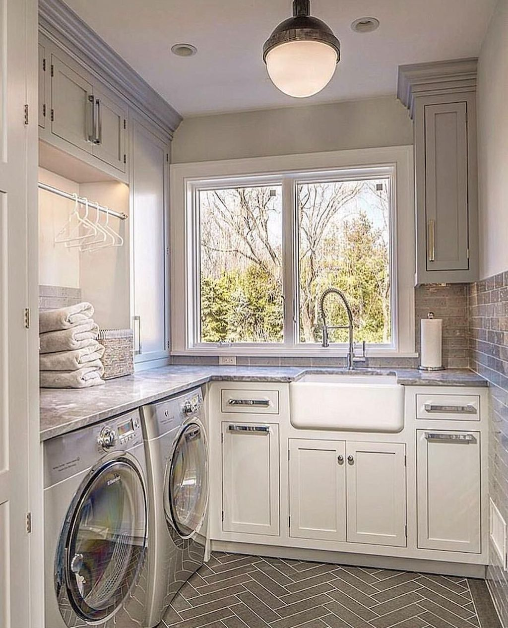 55 Small and Functional Laundry Room Design Ideas - Gladecor.com
